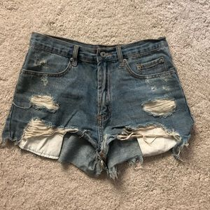 Pants - Ripped denim shorts